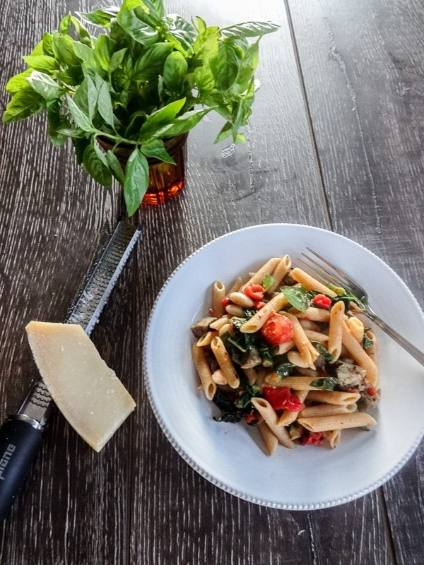 Tuscan Penne #easy #healthy #dinner from www.sweetcayenne.com