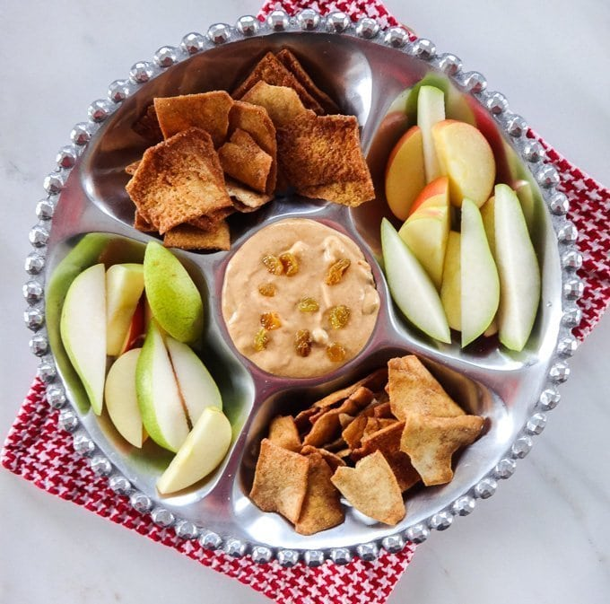Pumpkin Cheesecake Dip with apples, pears and cinnamon pita chips from www.sweetcayenne.com
