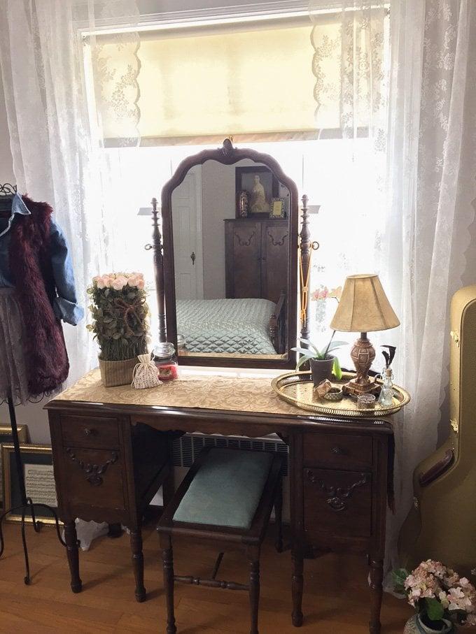 Vintage Room Transformation www.sweetcayenne.com