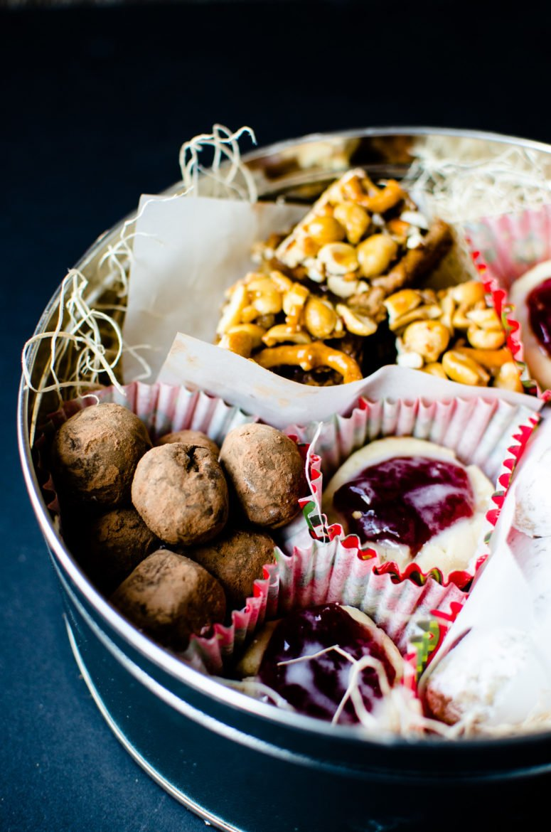 Baking Essentials: My Tips for Creating an Epic Christmas Cookie Tin!
