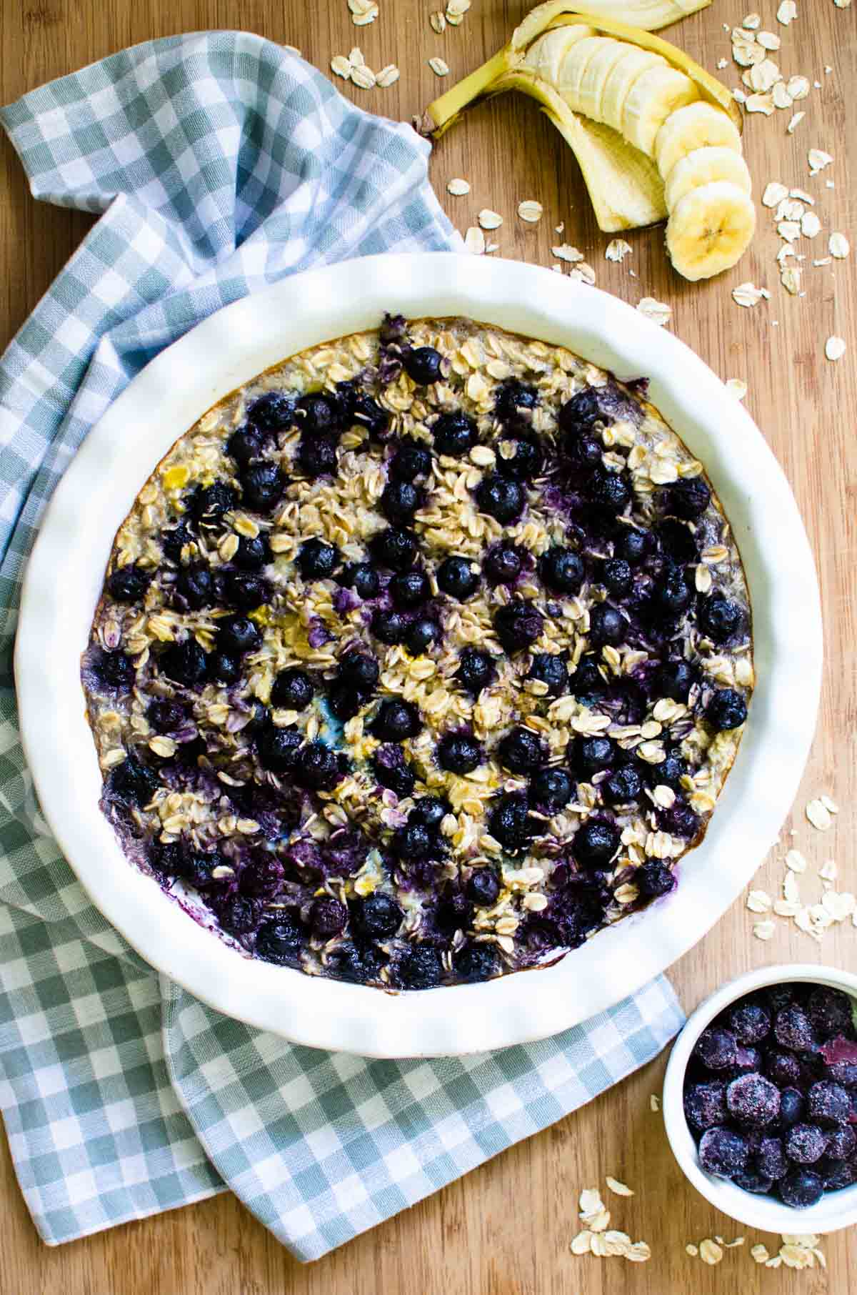 This recipe for Caramelized Banana Blueberry Baked Oatmeal is so easy to make and is perfect to have for breakfast during the week! It packs easily for work and the leftovers are delicious!