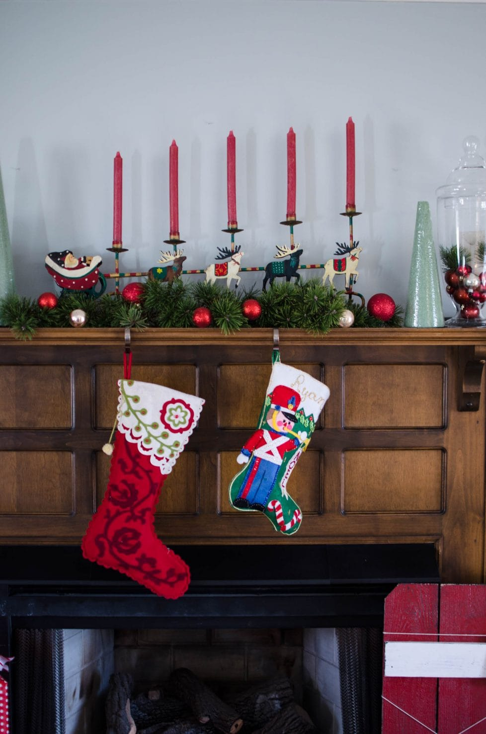 This is a collection of home decor photos that showcases my favorite scenes from my house at Christmastime!