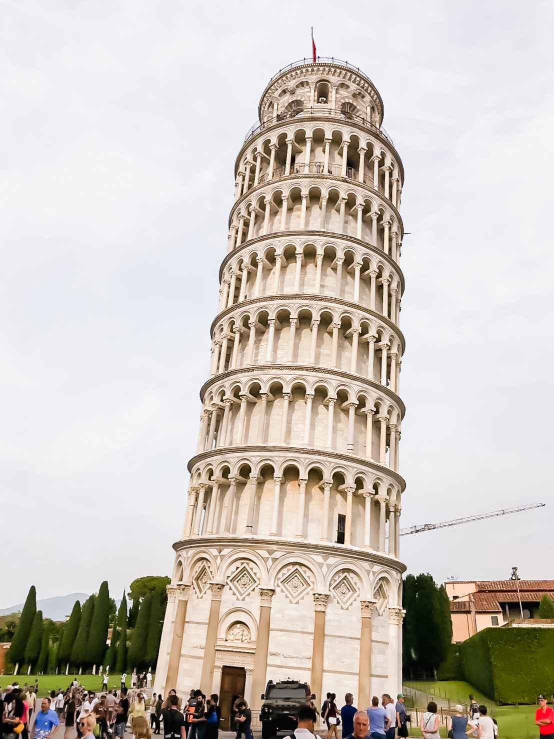 A front shot of the leaning tower of Pisa in Pisa, Italy.