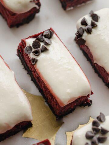 Square-red-velvet-cheesecake-bars